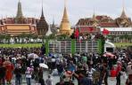 Puluhan Ribu Demonstran Menuntut PM Thailand Mundur dan Reformasi Monarki