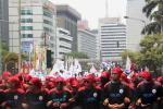 Buruh Unjuk Rasa di Balai Kota Jakarta
