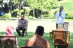 Jokowi Serahkan Bantuan untuk 63 Pelaku Usaha Mikro dan Kecil