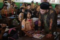 Setiap Hari Siswa akan Menyanyikan Lagu Indonesia Raya