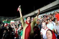 Gadis Iran Bakar Diri Sesudah Dilarang Nonton Sepak Bola di Stadion