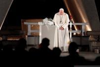 Paus Tolak Tahbiskan Pria Menikah sebagai Imam di Amazon