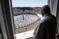 Umat Katolik Mulai Kunjungi Lapangan Santo Petrus, Vatikan