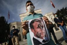 Muslim di Timur Tengah Boikot Produk Prancis