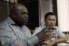 Natalius Pigai Belum Sikapi Dukungan Jadi Cagub Papua