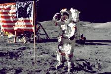 Astronaut  Terakhir yang Berjalan di Bulan Tutup Usia