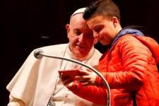 Paus Berpesan Doakan Orang yang Membenci Anda
