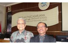Pastor Jesuit Lulus Cum Laude di UIN Syarif Hidayatullah