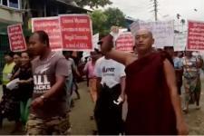 Buddhis Desak Myanmar agar Tidak Pulangkan Rohingya