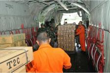 TNI Layani Kesehatan Warga Agimuga Mimika-Papua
