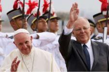 Paus Bela Uskup Cile yang Dituduh Tutupi Pelecehan Seksual