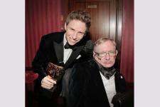 Para Aktor Mengenang Fisikawan Stephen Hawking