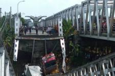 Diduga Ambrolnya Jembatan Widang Lamongan karena Beban Berlebih