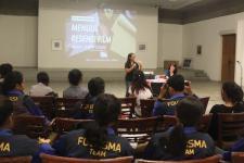 Belajar Menulis Resensi Film di Kelas Kreatif Bentara