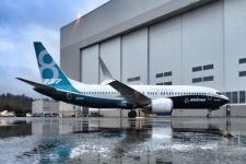 CEO Boeing Akui Kesalahan dalam Atasi Sistem Peringatan Kokpit di 737 MAX