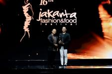 JFFF Awards 2019: Penghargaan kepada 3 Tokoh Mode di Puncak Acara