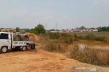Pedagang Jual Air dari Limbah Bauksit di Tanjungpinang Riau