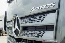 Mobil Niaga Mercedes-Benz Bisa Pakai Solar B30