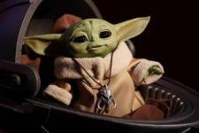 """Boneka """"Baby Yoda"""" Tersedia di Toko Bulan Depan"""