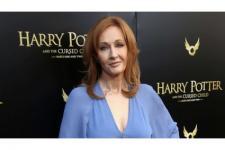 JK Rowling Sembuh Usai Dua Pekan Bergejala Corona