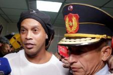Ronaldinho Dibebaskan dari Penjara Paraguay dengan Jaminan