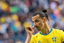 Zlatan Ibrahimovic Positif COVID-19