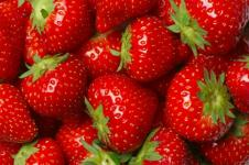 Stroberi Berkhasiat Tingkatkan Daya Ingat