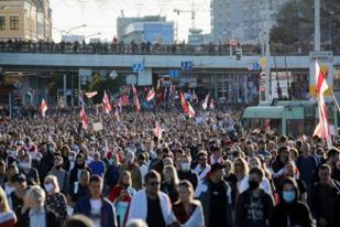 Belarusia: Protes terhadap Presiden Lukashenko Meluas, Ratusan Orang Ditangkap