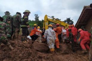 16 Korban Tanah Longsor di Sumedang Belum Ditemukan