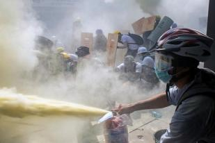 Bentrok Polisi Myanmar dan Massa Anti Kudeta, 26 Tewas