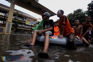 Hujan di Jakarta Kawasan Kalibata Timur Banjir