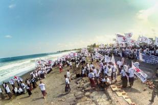 Ribuan Warga Desa Adat Sukawati Tolak Reklamasi Teluk Benoa