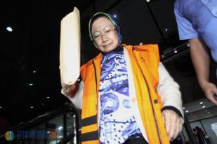 Wali Kota Cimahi Atty Suharti Bungkam Diperiksa Perdana di KPK