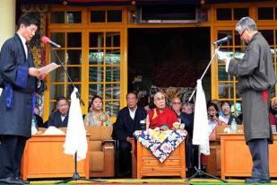 Dalai Lama Minta Rakyat Tibet Bersatu