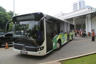 Pemprov DKI Targetkan 100 Bus Dek Rendah Hingga Akhir 2016