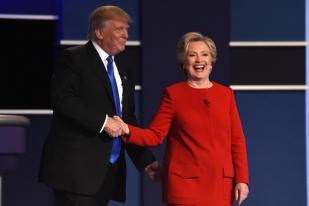 Trump dan Clinton Perdebatkan Isu email dan Perpajakan