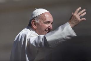 Paus Berdoa untuk Korban Gempa Aceh