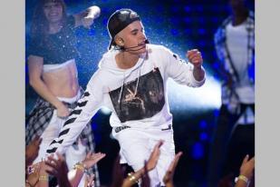 Justin Bieber Tunda Tur Bukan karena Sedang Membangun Gereja