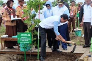 3.000 Petani Tanam 45.000 Bibit Pada Hari Menanam Pohon 2017