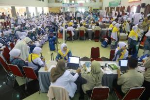 450 Jemaah Haji Kloter 1 Embarkasi Surabaya Diberangkatkan