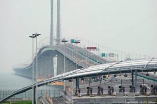 Presiden China Resmikan Jembatan Terpanjang di Dunia