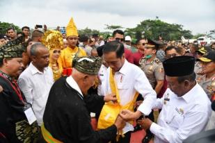 Presiden Jokowi Ingatkan Pentingnya Hormati Kearifan Lokal
