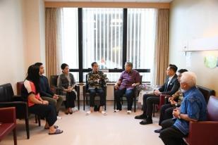 Jenguk Ibu Ani Yudhoyono, Presiden dan Ibu Iriana Beri Semangat untuk Sembuh