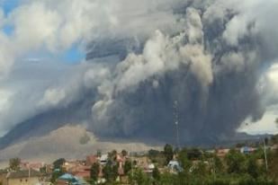 BNPB: Gunung Sinabung Masih Erupsi, Pemda Perlu Antisipasi