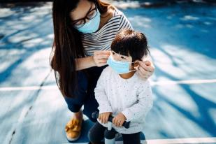 Masker Lebih Efektif Cegah COVID-19 Ketimbang Vaksin