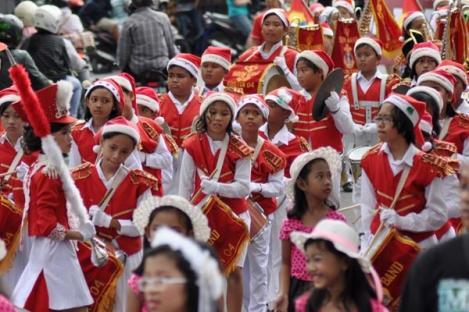 Pemuda-Pemudi Muslim Meriahkan Christmas Carol Ambon