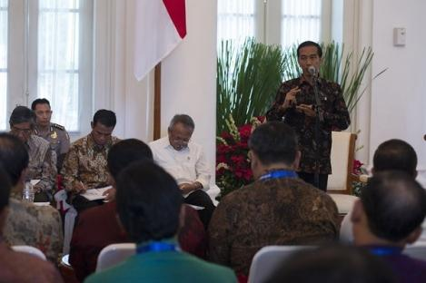Jokowi Panggil 7 Tokoh Independen Selesaikan Kisruh KPK-Polri