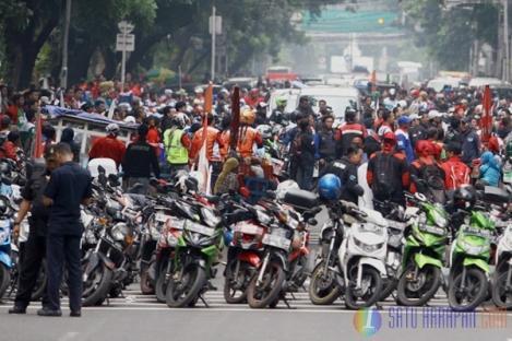 Amankan Demo, Kapolda Metro Jaya Larang Anggota Bawa Pistol