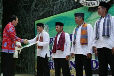 DKI Berangkatkan 50 Marbut Ibadah Umrah