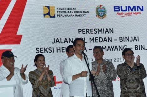 Soal Bayar Tol, Jokowi: Masa Kita Mau Kasih Cash